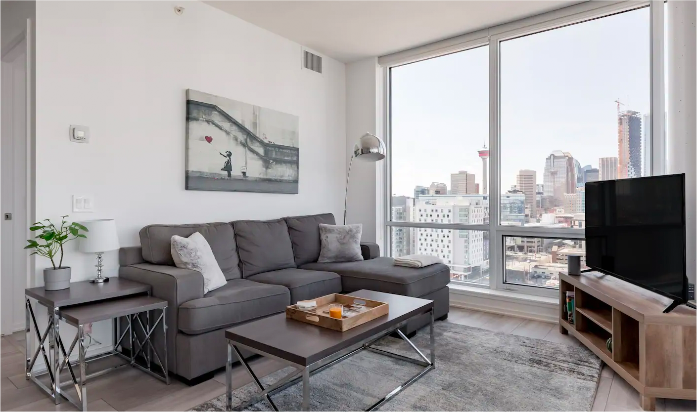 Immaculate Condo with River and City Views from Every Room